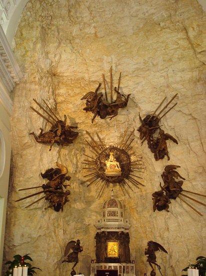 Pieta - Madonna della Corona